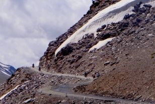 headrush_tour_ladakh_1_20150306_1160034030